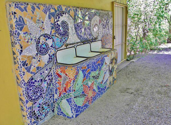 Comment poser de la mosaïque murale ?